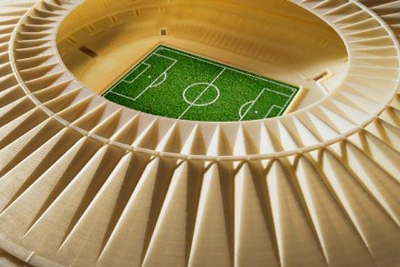 使用刚性不透明白色材料在 Objet500 Connex 多材料 3D 打印机上 3D打印的马拉卡纳球场;由 Fernandes Arquitetos Associados 提供的球场修复设计;照片由 Yoram Reshef 提供