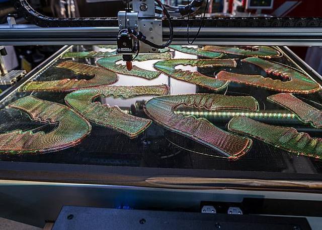 耐克Nike Flyprint概念跑鞋:鞋面采用3D打印技术