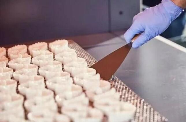 为隐形矫正器提供定制化制造解决方案—联泰科技十年深耕口腔应用行业